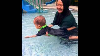 [Baby Oik] Abang Toriq lg swimming with Ami & Abi..