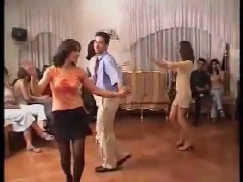 Cheb Tayeb fait danser les Kurdes Montage