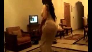 رقص فتاة بجمال الجسد وروعة القوام النسخة الكاملة ـ اغنية محمد عبده ارسل سلامي   YouTube