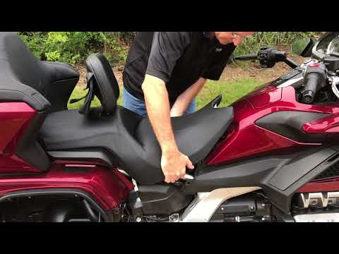 2018 Goldwing Seat Removal