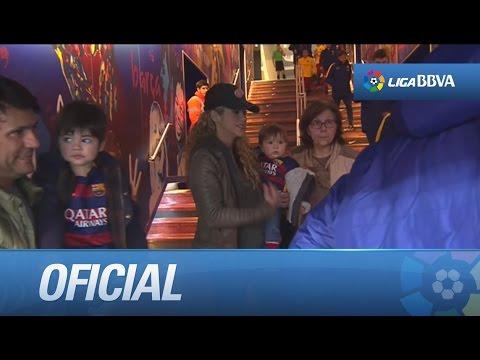 Xxx Mp4 Las Parejas De Piqué Messi Y Suárez A Pie De Campo 3gp Sex
