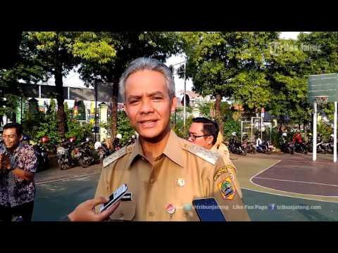 Xxx Mp4 VIDEO Gubernur Ganjar Antar Anak Berangkat Sekolah Di SMPN 2 Semarang 3gp Sex