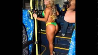 miss bumbum viaja en tanga en transporte publico en BRASIL
