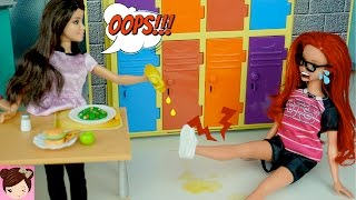 Disney Ariels Daughter Twists her Ankle - Prank Gone Wrong - Doll Story Royal High Ep7