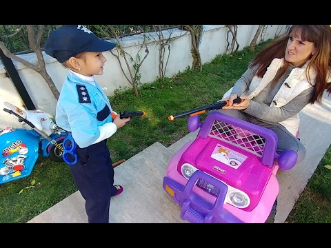 Xxx Mp4 Elif Polis Kendisine Silah çeken Suçluyu Tutukluyor Elifin Kendi Yaptığı Video Eğlenceli çocuk Vid 3gp Sex