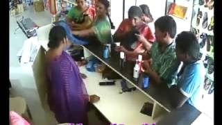Very very clever Indian women thief