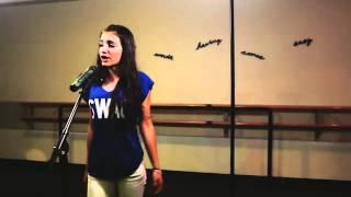 بنت اجنبيه تغني انت ايه لى نانسي عجرم قمت الروعه ادائها وحركاتها   YouTube