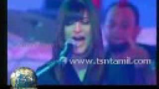 Shruti Hassan Performing at music awards