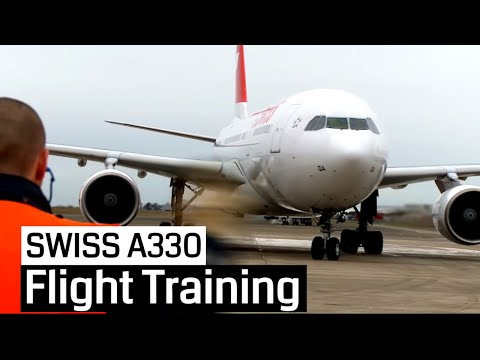 SWISS Pilot Training Airbus A330 200 Cockpit Jumpseat