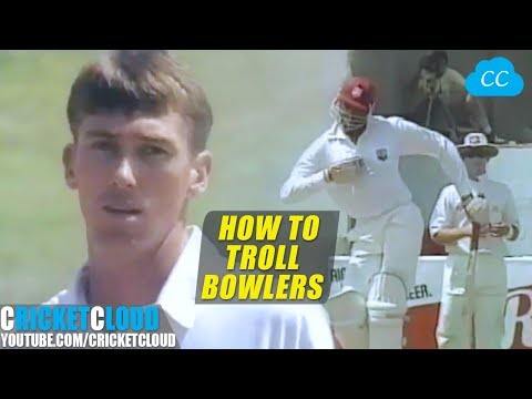 Funniest Bravest Batting Ever Courtney Walsh Trolling Aussies with Funny Gestures