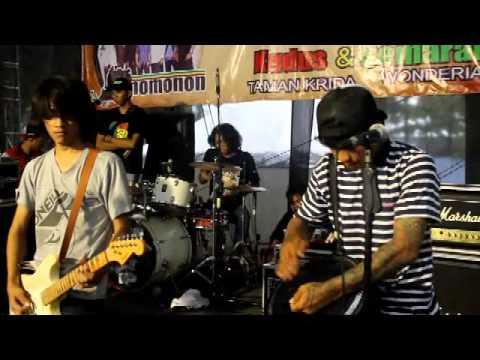 Rono Rene Reggae Dmk Peace In Lyberia Live@Taman Krida Kudus