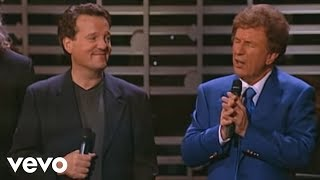 Bill & Gloria Gaither - Sinner Saved By Grace [Live] ft. Gaither Vocal Band