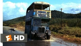 Live and Let Die (3/10) Movie CLIP - Double-Decker Bus Chase (1973) HD
