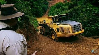 Stuck in Jungle Mud | Gold Rush