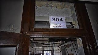 Creepy Abandoned School (Caution Tape Everywhere) Abandoned Exploration