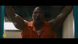 Halálos iramban 8 - Shaw börtönlázadást provokál - magyar nyelvű filmklip