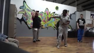 Tek Smiley Boogie Smurf Magic Popping Rockwell Dance Academy