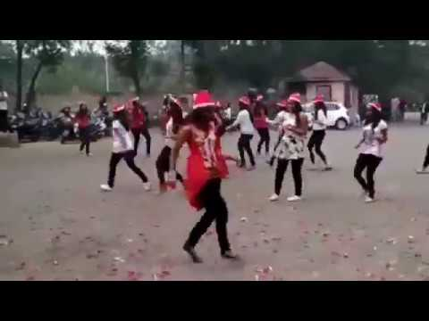 Xxx Mp4 Hot College Girls Dance On Chote Raja Song Of Kinjal Dave 3gp Sex
