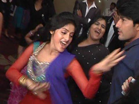 Xxx Mp4 HILARIOUS Sandhya Of Diya Aur Baati Hum S Dance At A Party 3gp Sex
