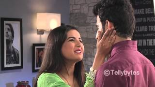 Rift between Twinkle and Kunj - From the sets of Tashn-e-Ishq