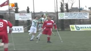 Hakemi koltuk değnekleri ile kovaladı (Ampute Futbol)