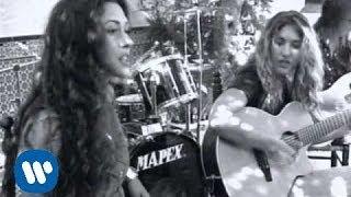 Ella Baila Sola - Lo Echamos A Suertes [Official Music Video]