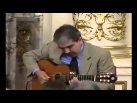 Aníbal Fernández .Jefe de gabinete y muy buen guitarrista