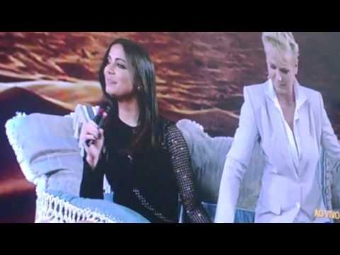Xuxa faz Anitta passar Vergonha ao vivo 16 11 2015 .