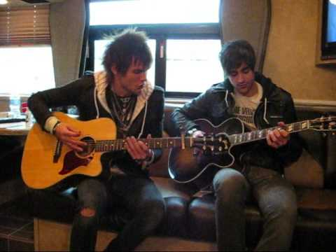 On the Bus with Boys Like Girls