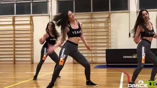 ELLA QUIERE HMM HAA HMM | ZUMBA FITNESS® | DANCE MOB