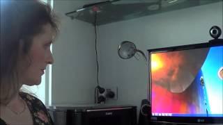 Mum tries out Windows 7 (2009)