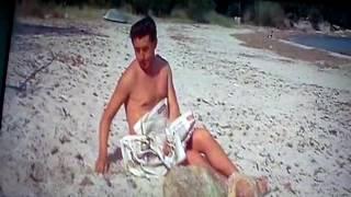 Scénka ,,Nudisté,, z Četník ze Saint Tropez
