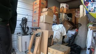 Abandoned Storage Units Up For Sale At Auction - Buying Lockers