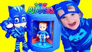 PJ Masks Disney Assistant Transforming Tower Toy Review