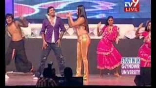 Gulte.com - Namitha Hot Performance At Santosham Awards