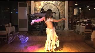 Najla Ferreira الراقصه نجلاء في دبي Awesome Arabic Belly Dancer in Dubai