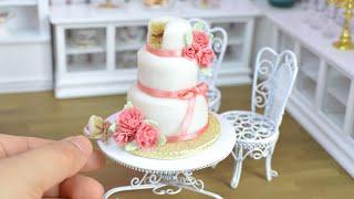Pink carnation mini fondant wedding cake - mini food