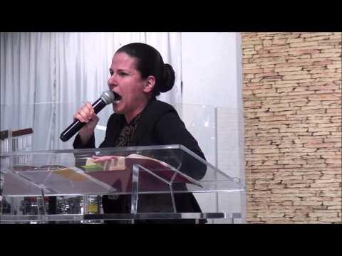 Buscando Através da Oração - Miss. Michelle Daltoé