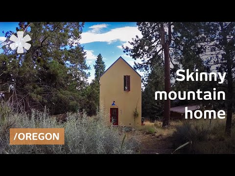 Location tiny skinny home feels big facing Bend s mountains