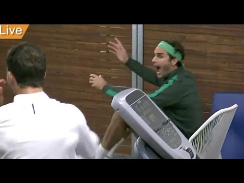 Federer and Dimitrov watch Sharapova vs Davis