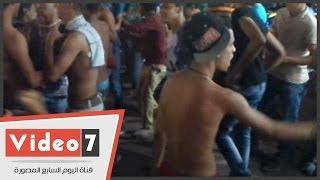 بالفيديو .. « الرقص بدون ملابس ».. أحدث طرق الباعة الجائلين لجذب الزبائن