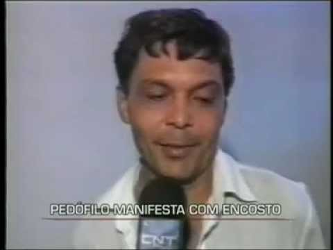 Homem manifesta com demonio em reportagem ao vivo