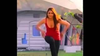 Aishwarya rai unnoticed bouncing boobs in Robot by sharif