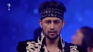 Hum Kyun Chalein  Atif Aslam  A Tribute To Junaid Jamshed Live At 16th Lux Style Awards 2017