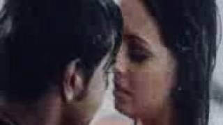diya mirza hot kiss