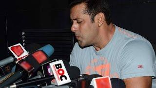 Exclusive: Salman Khan Sings Main Hoon Hero Tera Live