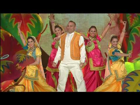 Russell Peters: 2009 Juno Awards, Bhangra Intro (HD)