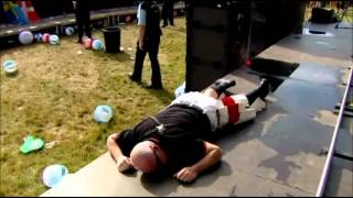 Madness - Baggy Trousers (Live V Festival 2012)