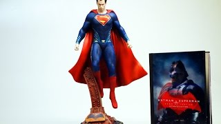 Unboxing: Batman V Superman Ultimate Collector's Edition (Blu-ray Mediabook + Superman Statue)