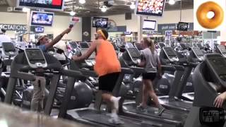 Funny Gym Vine Eating Fast Food while training